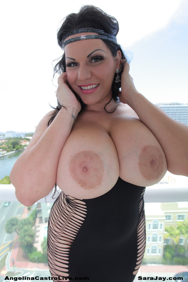desi bruntee nude boobs